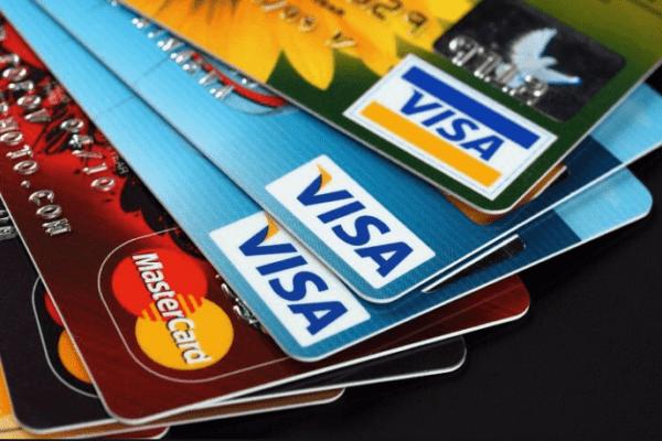 МФО списывают деньги с карты: как запретить и вернуть?