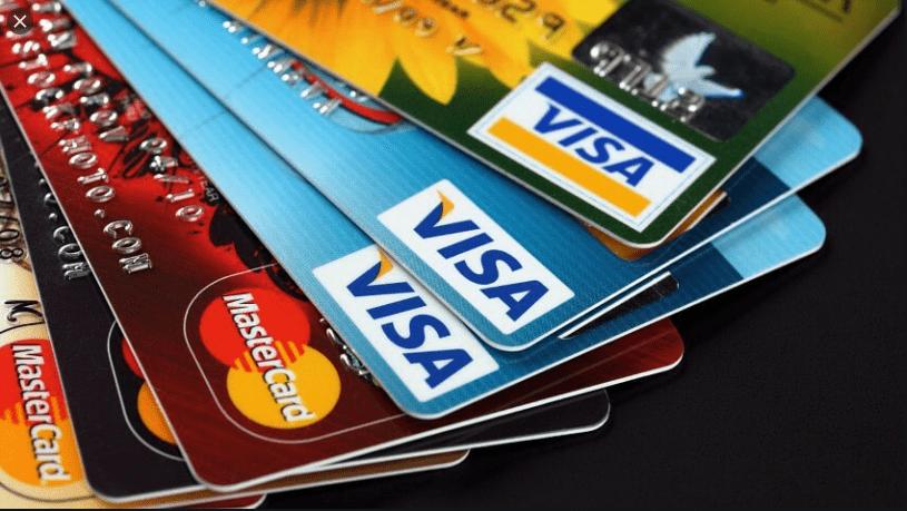 МФО списують гроші з картки: як заборонити та повернути?
