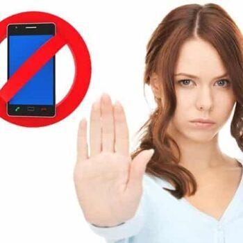 Как прекратить звонки коллекторов на работу: защита в Украине